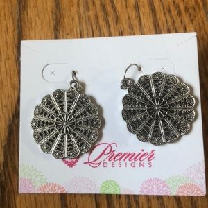 Premier Designs Jewelry - Premier designs earrings